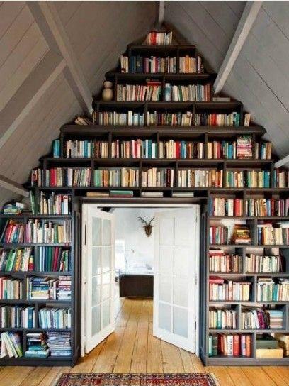 Bellissima parete di libri