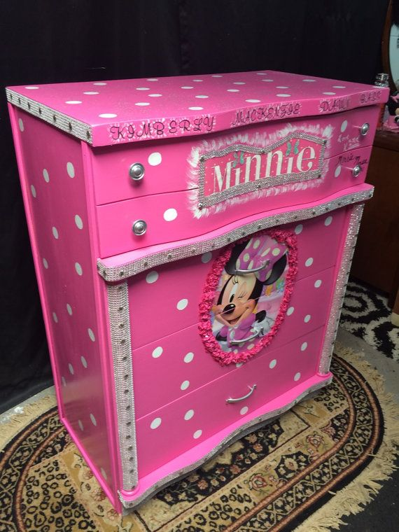 kids birthday  gifts   minnie mouse by Lisasdazzlingdesigns