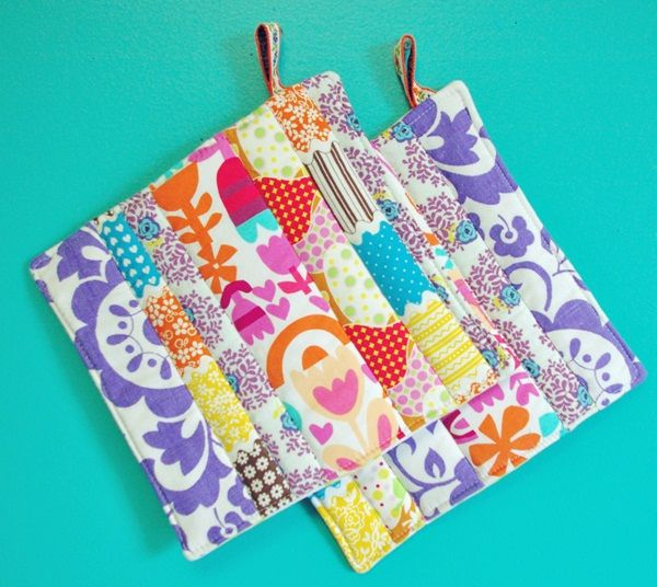 easy diy pot holders - great for using up scraps of fabric!