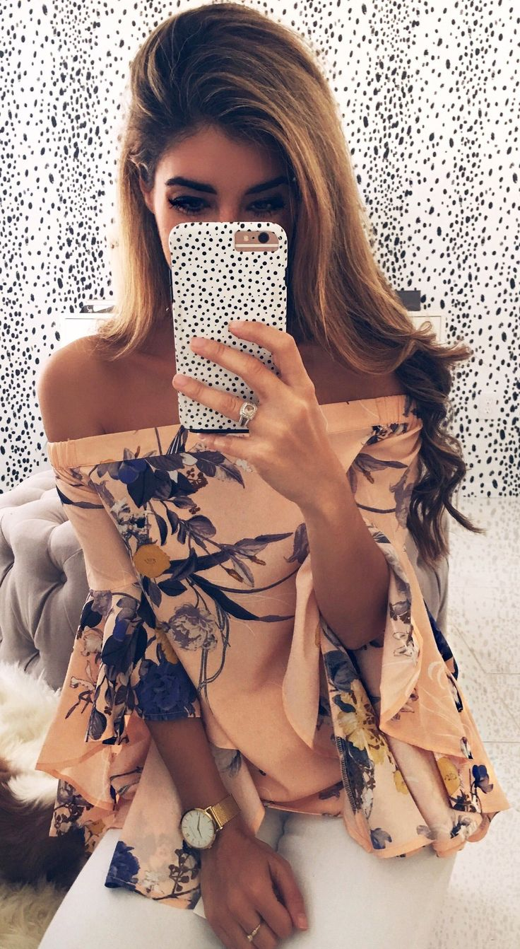 Coral Flower Printed Off Shoulder Blouse / White Skinny Jeans                                                                             Source