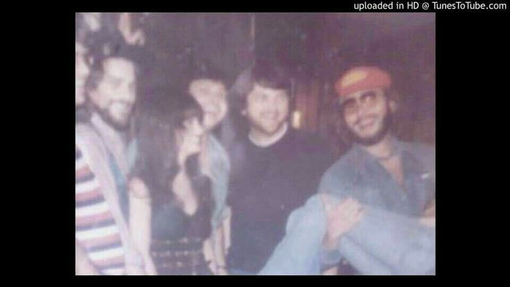 Unknown, Waylon Jennings, Jessie Colter, unknown, unknown, Hank Williams Jr and unknown in Muscle Shoals Alabama in 1977