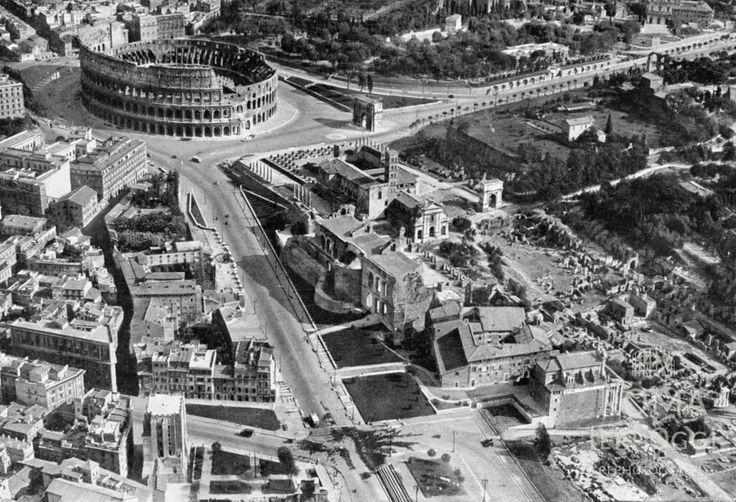 Colosseo e Foro  1941/1942