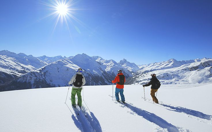 An in-depth guide to St Anton's ski area, the pistes, off piste, ski hire   shops and lift passes