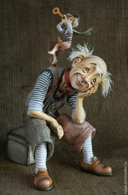 """Купить """"Мечтатель (Клоун и его муза)"""" - авторская ручная работа, коллекционная кукла, ручная вышивка"""