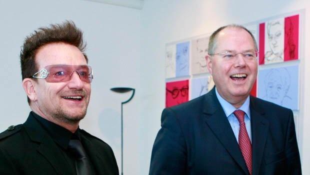 Soziale Gerechtigkeit und Solidarität – Bonos Organisation zur Bekämpfung extremer Armut und die Sozialdemokratische Partei haben eine gemeinsame Basis.  http://spdlink.de/sTGA