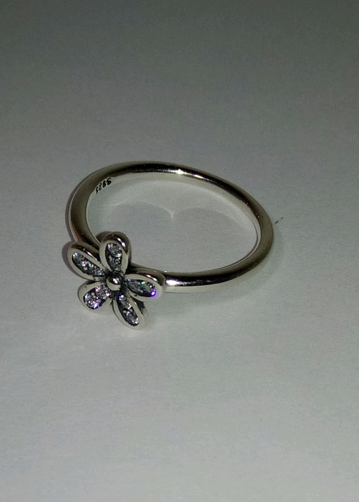Precioso anillo de plata 925 100% con forma de margarita,en la talla 14  54,4mm  NUEVO | Shop this product here: http://spreesy.com/Aromas/143 | Shop all of our products at http://spreesy.com/Aromas    | Pinterest selling powered by Spreesy.com