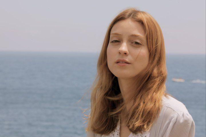 Russian Red - Lourdes Hernandez