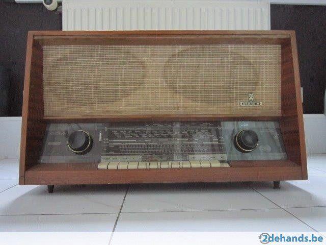 antieke radio grundig, speelt perfect!!!