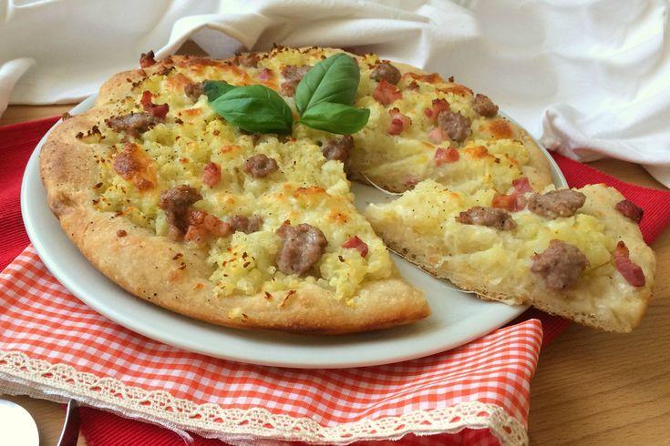 La pizza con lievito madre è caratterizzata da una lievitazione lenta che la rende più leggera e digeribile. Ecco la ricetta ed alcuni consigli