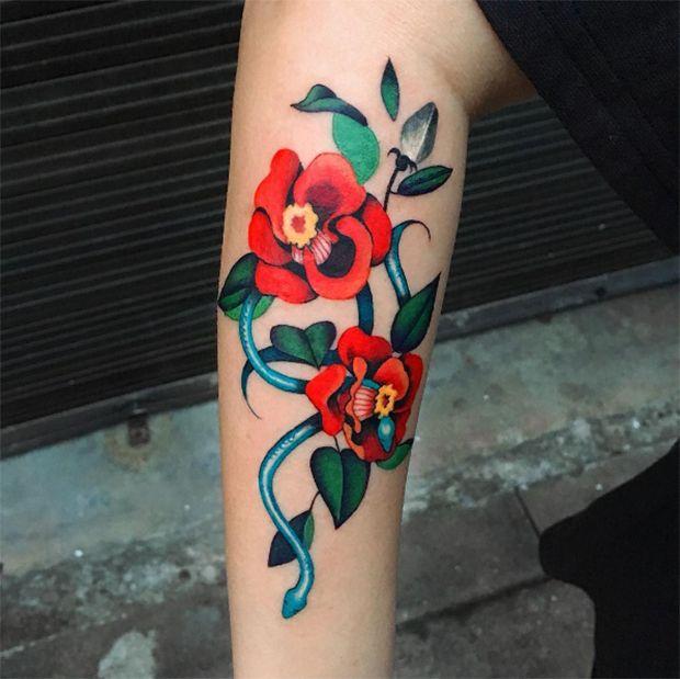 Conheça o trabalho da tatuadora de Seoul Zihee Tattoo, que faz verdadeira arte na pele com desenhos delicados sem contorno e com muita cor!