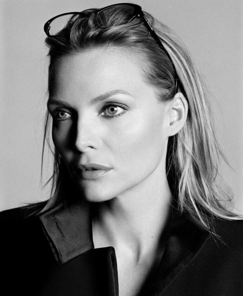 Michelle Pfeiffer born 1958.