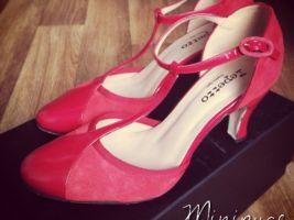 Nos looks de mamans #3 : mes escarpins rouge ! • Hellocoton.fr