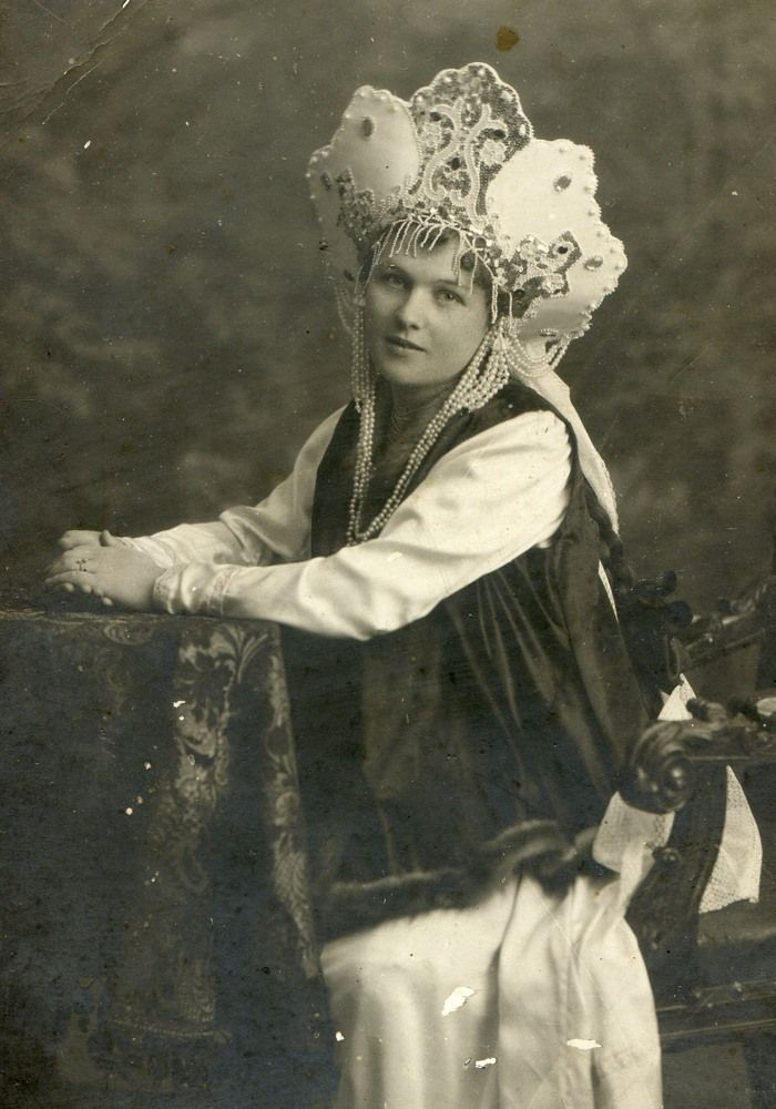 Самара-девушка вкостюме русского стиля