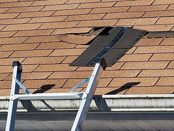 It S Impressive Take A Look At These 8 Suggestions All In Regards To Roofrepair Roof Shingle Repair Roof Cost Roof Problems