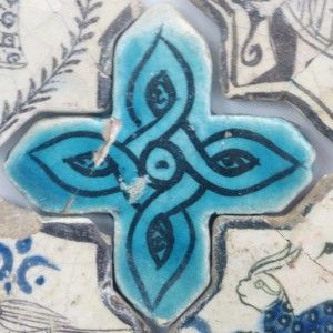 Karatay Medrese, Konya : Single Tile Motifs with Cross Tiles – Haç Karo ile Tek Karo Motifleri-Turquoise Cross Tiles – Turkuvaz Haç Motifi