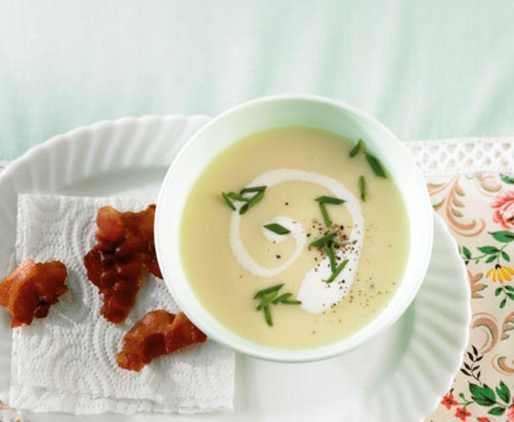 Rezept für Pastinakencremesuppe bei Essen und Trinken. Ein Rezept für 3 Personen. Und weitere Rezepte in den Kategorien Gemüse, Gewürze, Kartoffeln, Kräuter, Milch + Milchprodukte, Schwein, Vorspeise, Suppen / Eintöpfe, Braten, Dünsten, Kochen, Einfach.
