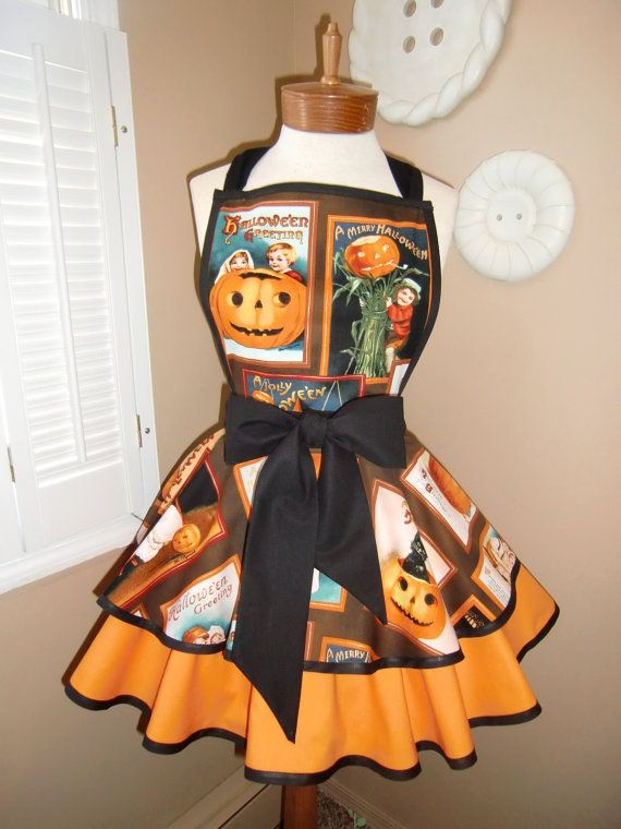 Vintage Halloween Print Cute Womans Retro Apron with Bib and Tiered Skirt