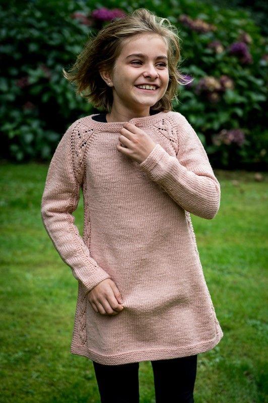 <p>Wow hvilken pige kunne ikke tænke sig denne smarte tunika til et par leggins. Tunikaen er smart og sej og