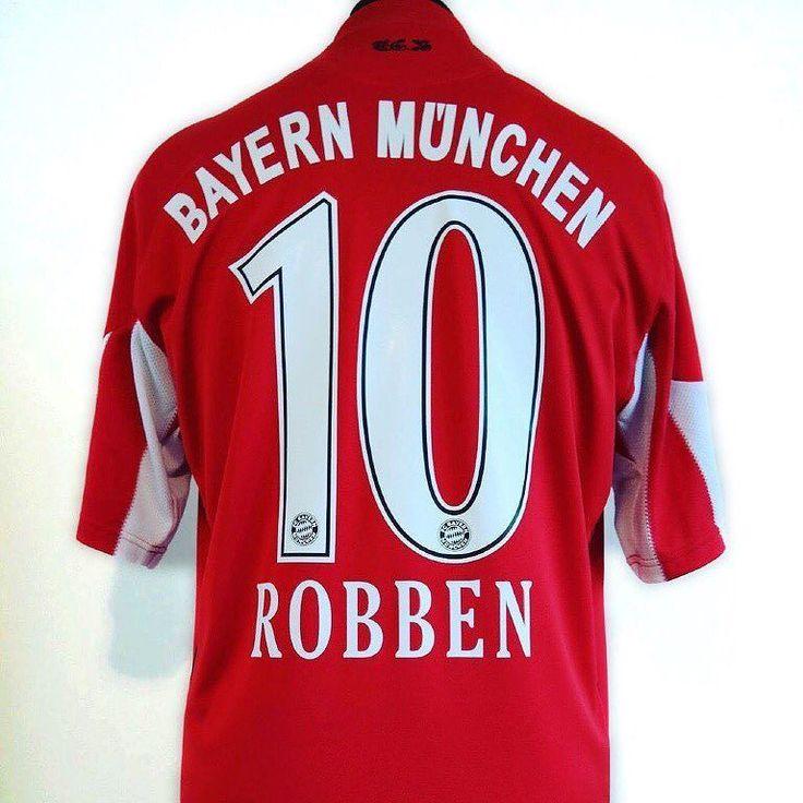 2010-11 Bayern Munich M ROBBEN #10  @classic_eleven_united Link in bio  #arjenrobben #robben #bayernmunich #adidas #adidasfootball #championsleague #footballshirt #footballshirtcollective