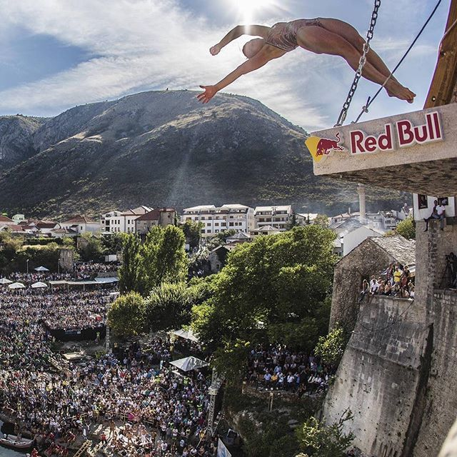 For those who aren't familiar with the magnificent sport of cliff diving, Stari Most in Mostar, Bosnia and Herzegovina is a bit of a bucket-lister. The bridge's diving tradition actually goes back over 450 years, and a jump from the top is a rite of passa