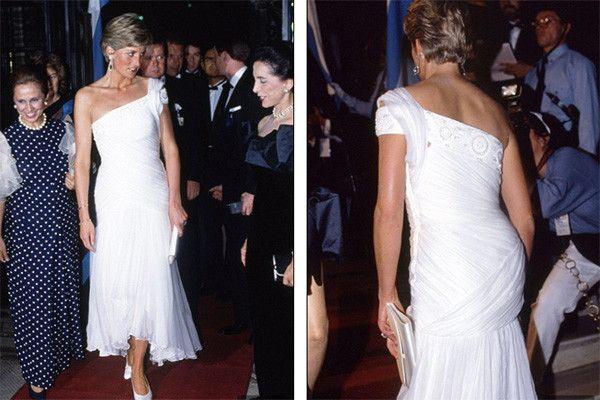 Gina Fratini for Hartnell, 1990. Диана любила платья с вырезом, закрывающим одно плечо, и носила их даже тогда, когда фасон уже вышел из моды.