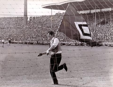 19. August 1967, Werder Bremen - HSV 1:4  Hamburg's erster Sieg gegen Bremen  ... nur der HSV !!