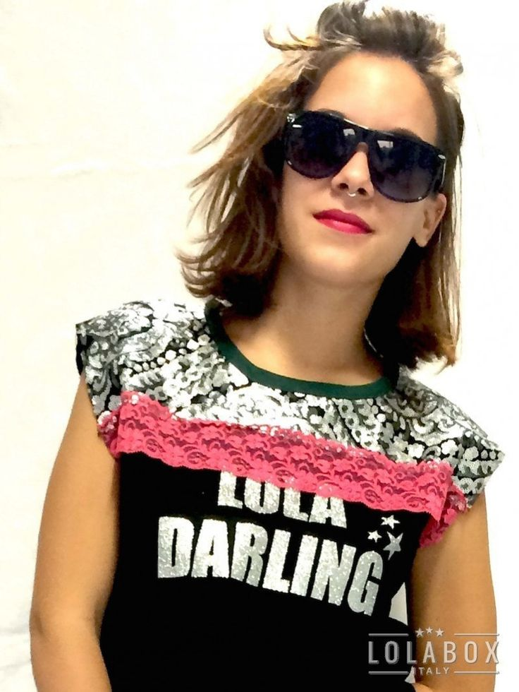 LOLA DARLING Black SWEATSHIRT Red and Beige Lace, Embroidery Silver Sequin, Logo, Sleeveless. Logo Tshirt, Tailored Unique, Made in Italy di loladarlingirl su Etsy