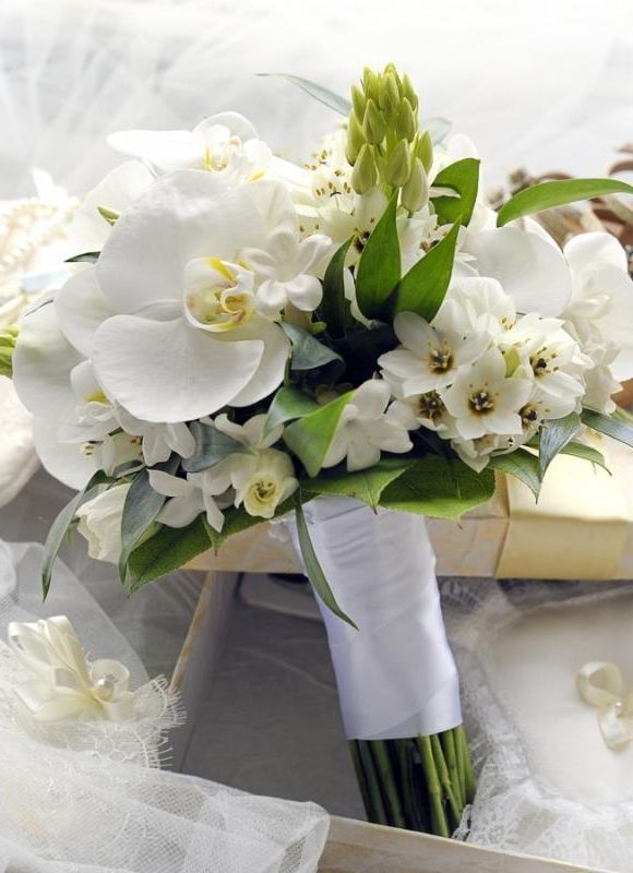 A Beautiful White Bouquet Serene And Elegant Perfect For Wonderfully Nyc
