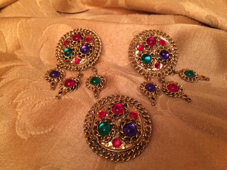 Eighties earrings and brooch