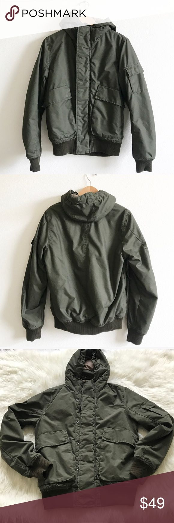 MENS H&M LOGG Military Olive Green parka jacket S MENS H&M L.O.G.G. Military Olive Green parka cargo  jacket with hood . Size Small . Front zipper enclosure with snaps . Side pockets . Lightweight puffer parks hooded jacket . Worn once. Light pen mark on upper right chest, not too visible. May come out in the wash, mentioning for disclosure. #hm #logg #fall #jacket #coat #military #utility #cargo #parka #puffer #green #camping #hipster H&M Jackets & Coats
