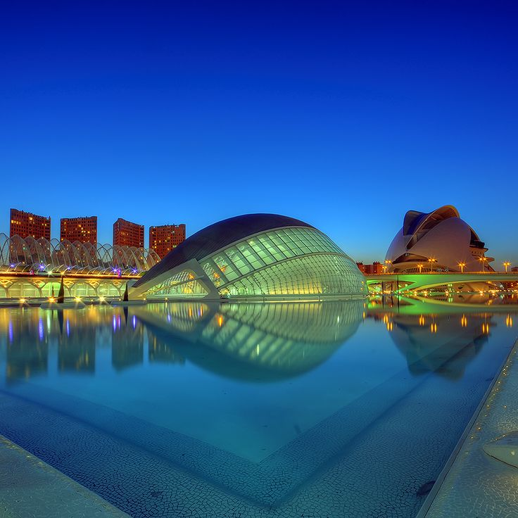 City of Arts and Science Museum - Valencia, Spain (source: http://500px.com/photo/6261582)
