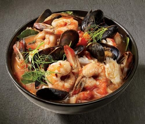 ITALIAN SEAFOOD STEW.  Add  clams and crab leg pieces for a great stew!  Sprinkle chopped FRESH parsley over all before serving.