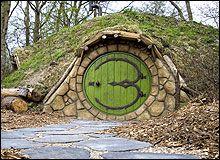 Sprookjesachtig slapen in een Hobbitwoning in Castricum. Zie site origineelovernachten.nl