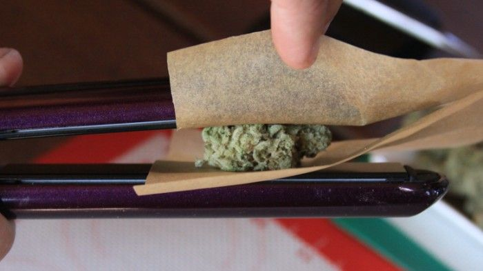 How to Make Weed 'Dabs' at Home With a Hair Straightener   Motherboard