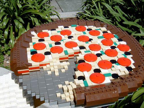 A LEGO pizza?! Daaaammmmnnnnn!!!!!!!!