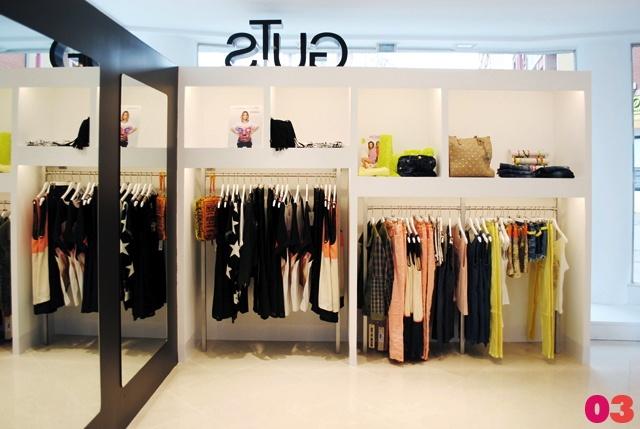 Interior03 y la diseñadora Patricia Hermosilla reformaron este hermoso local comercial en Miranda de Ebro. http://blog.habitissimo.es/2013/05/08/reforma-de-local-comercial-para-tienda-de-moda/