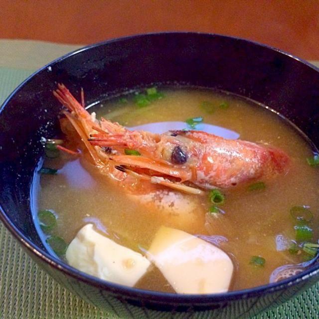 頭だけのパックがあったので少しでも充分美味しいお味噌汁に残りはアメリケーヌソース作り、ストック - 56件のもぐもぐ - Shrimp miso soup♨海老頭のお味噌汁 by Ami