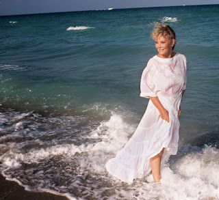 HIT VIDEA: Petula Clark - Love This Is My Song (C'est ma chan...