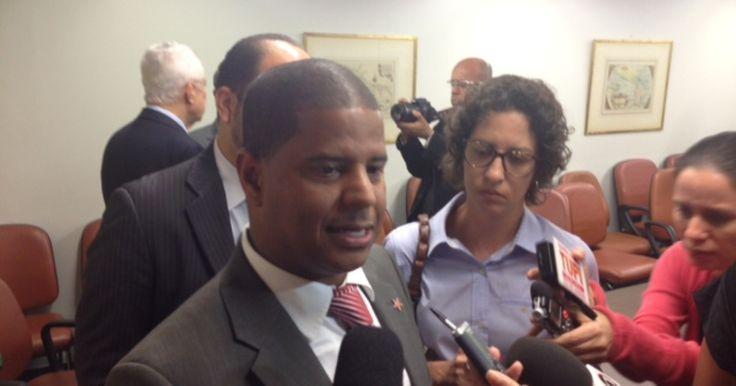 Marcelinho Carioca e mais seis suplentes tomam posse na Câmara