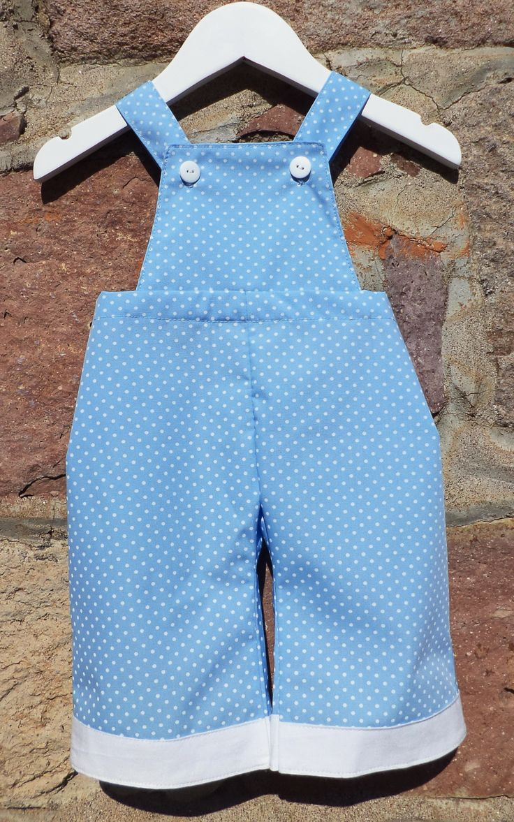 Dotty overalls with flexible fitting on the back