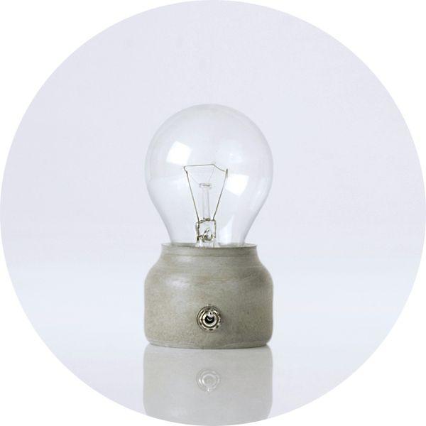 petite lampe led pure mold original fait main en ciment. Black Bedroom Furniture Sets. Home Design Ideas