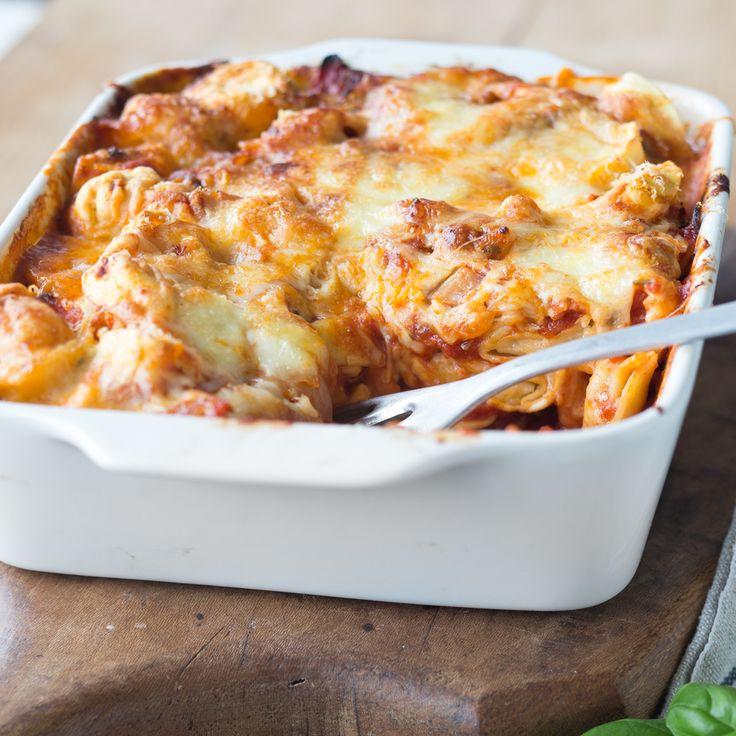 Tortellini, Spinat, Tomaten, Mozzarella...hmm!  - https://www.springlane.de/magazin/rezeptideen/tortelliniauflauf-mit-wuerziger-tomaten-spinat-sauce/?utm_source=Facebook&utm_medium=Post