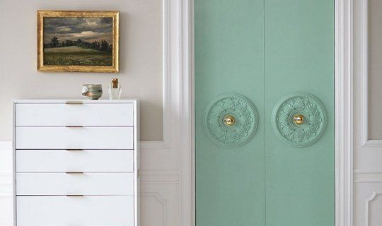 Closet Door DIY Upgrade: Add a Ceiling Medallion   Apartment Therapy