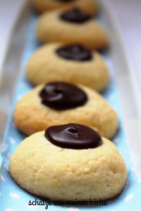 (Vor)weihnachtsbäckerei Teil 1… der Keks mit dem Schokokern