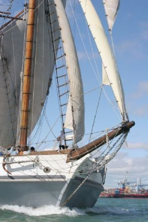 Heritage vessels, tall ships, steam launch - Voyager New Zealand Maritime Museum