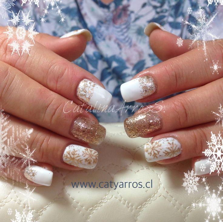 Uñas Acrílicas con Diseño Navideño a mano alzada / Esmaltado Permanente (Gel Polish)