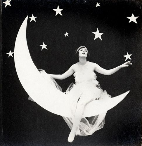 Lady on the Moon - Arcade Stereo Card - c.1920s by Photo_History, via Flickr