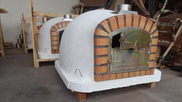 how to build a wood fired clay oven