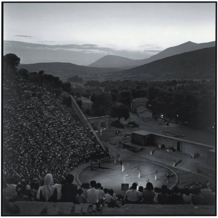 Θέατρο της Επιδαύρου, το 1955,με την παράσταση Ιππολυτος του Ευριπίδη..φωτ.Robert McCaber