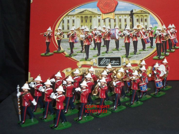 http://www.ebay.ie/itm/BRITAINS-40293-ROYAL-MARINE-LIGHT-INFANTRY-BAND-METAL-TOY-SOLDIER-FIGURE-SET-/281117533340?pt=LH_DefaultDomain_3